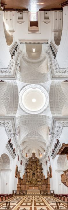 Incredible vertical panoramic photos of churches by Richard Silver. More on ignant.de...