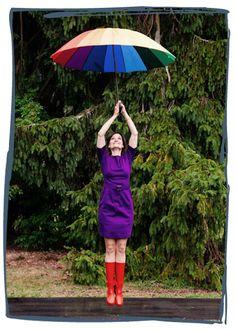 Alltagswunder Interview Susanne Rohr #alltagswunder #susannerohr #rainbow #umbrella #boots #colors #rainbowumbrella