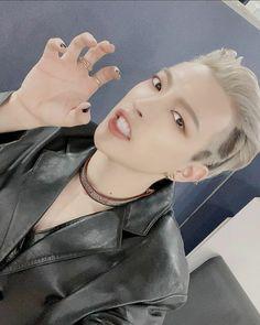 Pearl Earrings, Hoop Earrings, Kim Hongjoong, Chain, Jewelry, Kpop, Plushies, Pretty People, Zero
