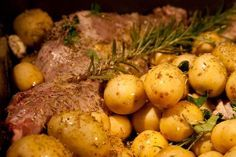 Oven-baked lamb in rosemary scents! Greek Recipes, Easter Recipes, Oven Baked, Pot Roast, Poultry, Lamb, Recipies, Cooking Recipes, Favorite Recipes