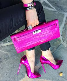 Best Women's Handbags & Bags : The most important luxury brands in the world, Luxury & Vintage Madrid, offers you the best selection of contemporary and classic shoes and accessories in the world. Sexy Heels, Stiletto Heels, High Heels, Pink Shoes, Hot Shoes, Pretty Shoes, Beautiful Shoes, Heeled Boots, Shoe Boots