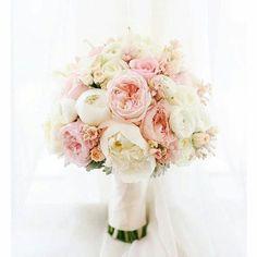 Uwielbiamy pastelowe bukiety A WY? #slubnaglowie #poprostupieknie #bukietdoslubu #bukietslubny #kwiatydoslubu #piwonie #pastele #weddingbouquet #bridalbouquet #bridal #weddingtime #wedding #bridalprep #bride #pannamloda #slub #instalike #instaweddings #instaslub #pastelowy #bukiet #peonies #omg #fave #bride2016 #designforlove
