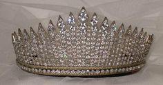 Noiva com Classe: Casamentos famosos III Tiara usada no dia de seu casamento (Elizabeth II)
