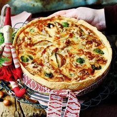 Brysselkålspaj med päron och valnötter Vegetable Pizza, Quiche, Xmas, Christmas, Dinner, Cooking, Breakfast, Journal, Desserts