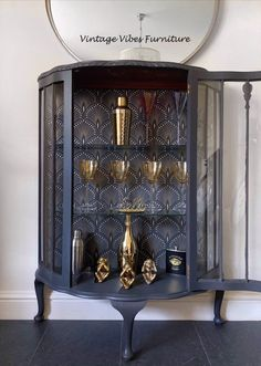Art Deco Furniture, Funky Furniture, Paint Furniture, Vintage Furniture, Refurbished Cabinets, Refurbished Furniture, Diy Furniture Renovation, Furniture Makeover, Upcycled Furniture Before And After