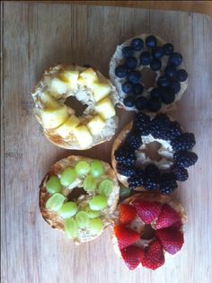 Breakfast with Olympic inspired bagels. Strawberry, blackberry, blueberry, pineapple and grapes decorated bagels are a delicious breakfast or brunch treat. Kids Olympics, Winter Olympics, Olympic Crafts, Olympic Games, Olympia, School Lunch Recipes, School Snacks, Whole Wheat Bagel, Good Food