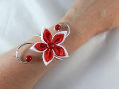 """""""Vic""""- Bracelet fleur blanc et rouge mariage : Bracelet par creation-ninie"""