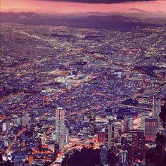 Twitter / AlejandroNomas: @SocialMediaWeek #InstagramYourCity Bogota, ciudad de luces