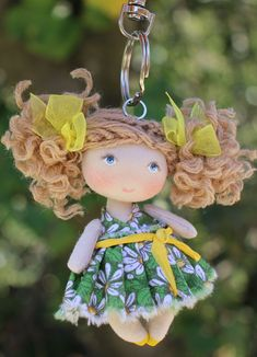 Miniature cloth art doll cute keychain or bag charm Tiny Dolls, Ooak Dolls, Art Dolls, Saint Valentine, Valentine Gifts, Homemade Dolls, Cute Keychain, Doll Painting, Felt Brooch