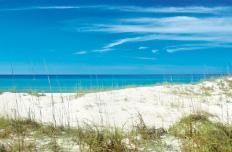 The legendary pure white sand of #PanamaCityBeach is attributed to quartz crystals washing down from the Appalachian Mountains centuries ago. You've got to see it yourself!