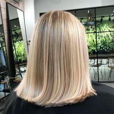 haar blond Blunt Lob // ig: gaczorek_t - haar Long Bob Hairstyles, Pretty Hairstyles, Hairstyle Ideas, Easy Hairstyle, Fringe Hairstyle, Wedding Hairstyle, Blonde Hair Looks, Brown Blonde Hair, Hair Inspo