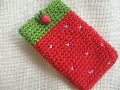 Rainbow Bunting: Strawberry Pouch - sorry, no pattern...just for reference. Pretty cute though.