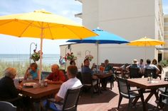 Beachside Bistro - Oceanfront dining for the entire family! Lunch & dinner daily, breakfast Friday through Sunday. Enjoy deck parties and live entertainment. Lite fare menu and beach side carry out available. Large parties welcome.