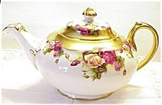 Heirloom Royal Chelsea Tea Pot Golden Rose