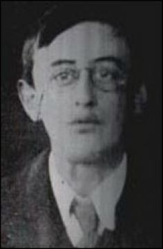 Joseph Plunkett executed after the Easter Rising 1916 in #Ireland, just hours after marrying Grace Gifford. The british didn't even allow him time to spend alone with his new wife.