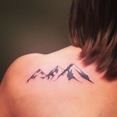 This fun walk-in reminded me of my backpacking days:-) Thanks! @lisapizzzaaa #mountains #mountaintattoo #horizon #frequencytattoocompany
