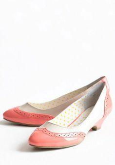 Vintage Shopping Indie Kitten Heels | Modern Vintage Shoes