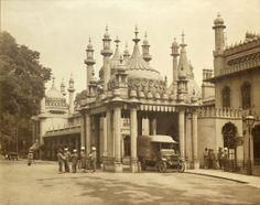 Royal Pavilion Indian Hospital entrance, 1915. (HA903302) Photograph: Royal Pavilion and Museums, Brighton & Hove.
