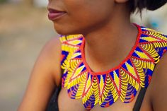 www.cewax.fr aime ce collier ethno tendance, style ethnique. Dans le même style, visitez la boutique de CéWax : http://cewax.alittlemarket.com/ #Africanfashion, #ethnotendance - ~African fashion, Ankara, kitenge, African women dresses, African prints, Braids, Nigerian wedding, Ghanaian fashion, African wedding ~DKK