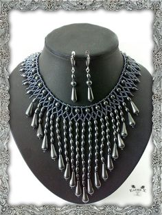 Hematite set stage and handbag | biser.info - all about beads and beaded works