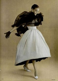 BALENCIAGA, White bridesmaid gown with the color of your wedding tulle underskirt :) officiel de la mode 1957