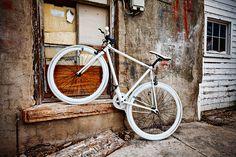 There's no better way to navigate the urban jungle than on Big Shot Bike's single speed/fixie. Bike Photo, Fixed Gear Bike, Commuter Bike, Bicycle Design, Motorcycle Bike, Road Bikes, Big Shot, Custom Bikes, Outdoor Gear