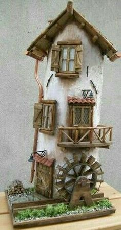 me ~ 80924124 Tegola Negozio di fiori Clay Fairy House, Fairy Garden Houses, Painted Driftwood, Driftwood Art, Miniature Crafts, Miniature Houses, Tile Crafts, Wood Crafts, Plastic Bottle House