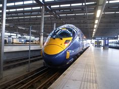 ロンドン五輪で活躍したのは、選手だけではなかった。ロンドンの玄関口とオリンピック会場を何往復もしたこのカラフルな鉄道は、HITACHI製。