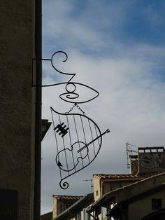Violin maker - luthier Montpellier, France | Flickr: Intercambio de fotos