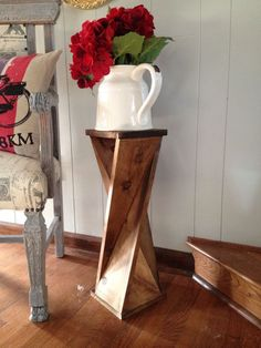 DIY Twisty Side Table....made from ONE piece of lumber!!!  I am so gonna try…