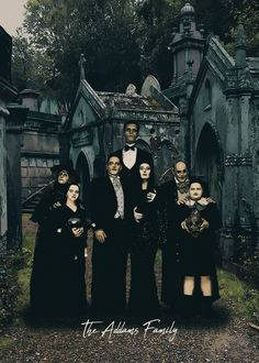 The Addams Family Los Addams, Adams Family, The Addams Family, Gomez And Morticia, Kubo And The Two Strings, Rock Poster, Cult Movies, Funny Tattoos, Halloween Wallpaper