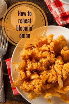 CookingChew shares a quick guide which now allows you to bring back that longed-for goodness of your leftover bloomin' onion. Read on to uncover three of the best reheating methods! Bloomin Onion, Kitchen Helper, Leftovers Recipes, Great Appetizers, Recipe Please, Tray Bakes, Oven, Ethnic Recipes