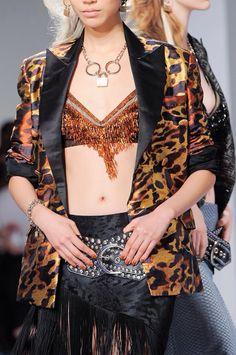+++ Rodarte + Spring / Summer 2014 + NYFW + RTW +++ #asymmetrical #fringe #AnimalPrint #BraTops #ShinySilks #monochrome #fashion #moda #verano2014 #fashionweek #NewYork #ss2014 #spring2014 #nyfw #summer2014 #primavera2014 #runway #SpringSummer2014 #officialRodarte  @ISAZAalejandro