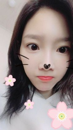 SNSD TaeYeon shared adorable pictures from her signing event Sooyoung, Kim Hyoyeon, Yoona Snsd, Kpop Girl Groups, Korean Girl Groups, Kpop Girls, Generation Photo, Girls Generation, Taeyeon Fashion