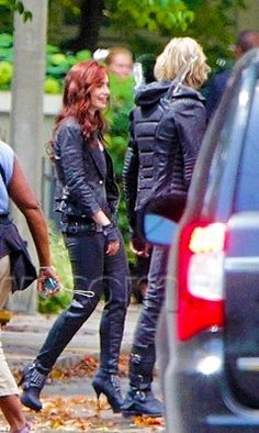 Lily Collins (Clary) & Jamie Bower (Jace) on City of Bones set.