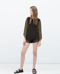 ZARA - NEW THIS WEEK - T-SHIRT WITH PRINTED SLEEVES