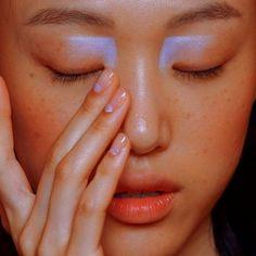 Nails blue pastel eye makeup Ideas for 2019 Eye Makeup, Runway Makeup, Makeup Art, Hair Makeup, Pastel Makeup, Gold Makeup, Make Up Looks, Makeup Trends, Makeup Inspo