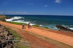 Kauai Path runs for nearly 10 miles along the east coast of Kauai from Lydgate Park north through the town of Kapa'a and past Kealia Beach.