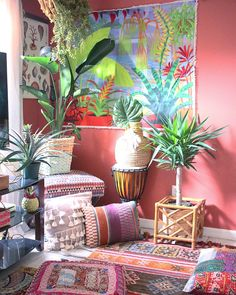 Kelli Collins a former marine scientist with the coast guard and mother of two shares her colorful, plant-filled (over bohemian home with us. We love her eclectic personal style, bold use of color, and of course all the plants! Bohemian Furniture, Bohemian Interior, Bohemian Decor, Bohemian House, Modern Bohemian, Tyni House, Zen, Bedroom Minimalist, Deco Retro