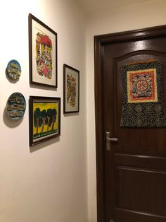 This pic is part of Anuradha Singh's Home Tour at Noida on The Keybunch decor blog - Anuradha put an effort to buy from tribal craftsmanship's work so that the money goes to NGOs. Mewar window artistry from Bhaktapur and Thangka were bought from Nepal. Old Antiques, Antique Shops, London Map, Madhubani Painting, Blue Pottery, Safe Haven, Indian Home Decor, My Furniture, Victoria And Albert Museum