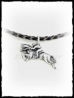 Díjugrató medál aranyból vagy ezüstből Silver Horse, Equestrian, Pendants, Horses, Bracelets, Sports, Jewelry, Bangles, Jewlery