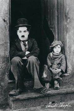 Read my brief introduction to early silent films HERE Charlie Chaplin was not just a silent movie actor, he was an icon of early cinema. Chaplin was a writer, Charlie Chaplin, Old Movies, Great Movies, O Grande Ditador, The Kid 1921, Margaret Bourke White, Charles Spencer Chaplin, Vintage Films, Vintage Photos