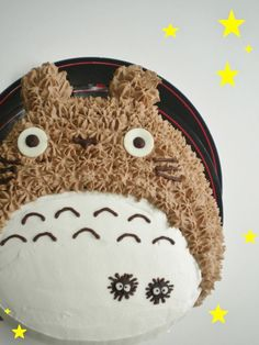 Totoro cake -- do i pin this under art or food? such a beautifully-drawn miyazaki movie...but also, cake. | Totoro & Friends | Pinterest