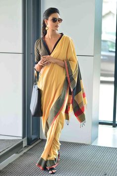 10 Latest Front V Neck Blouses From Chic To Traditional Style – Lifestyle Indian Fashion Trends, Ethnic Fashion, Indian Blouse, Indian Sarees, Indian Wear, Sari Blouse Designs, Blouse Patterns, Modern Saree, Saree Dress