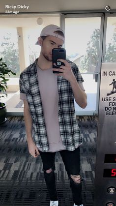 Ricky Dillon, Youtubers, Button Down Shirt, Men Casual, Mens Tops, Shirts, Fashion, Moda, Dress Shirt