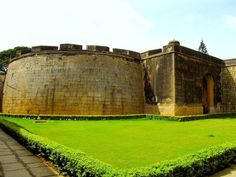 10 Best Places in Bengaluru http://www.tours2escape.com/10-best-places-in-bengaluru/