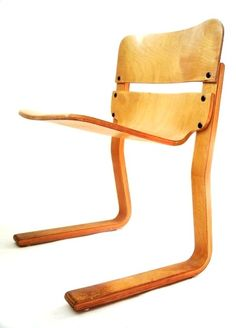 Roo Chair (1970) by Plydesigns - Thomas Lamb