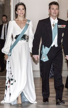 As Crown Princess Mary of Denmark turns revisit her most stylish looks to date Princess Marie Of Denmark, Royal Princess, Crown Princess Mary, Denmark Royal Family, Danish Royal Family, Charlize Theron Style, Mary Donaldson, Denmark Fashion, Royal Fashion