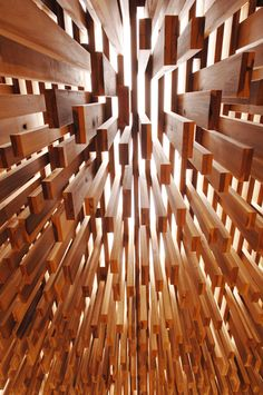 detalle del ensamblado Adjaye Wooden Architecture, Architecture Details, Interior Architecture, Ceiling Detail, Ceiling Design, Ceiling Installation, Ceiling Treatments, Construction, Zentangle
