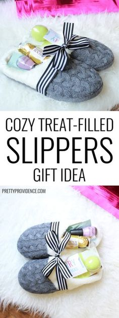 Cozy Slippers Gift Idea 2019 Slippers make a great gift and they are even better when filled with little treats and gifts! Perfect for Christmas or any occasion. The post Cozy Slippers Gift Idea 2019 appeared first on Blanket Diy. Creative Gifts, Cool Gifts, Unique Gifts, Simple Gifts, Cheap Gifts, Useful Gifts, Get Well Gifts, Navidad Diy, Craft Gifts